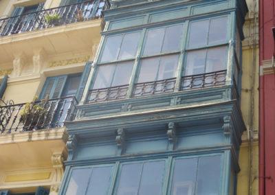 Restauración de fachada en la calle la Naja de Bilbao