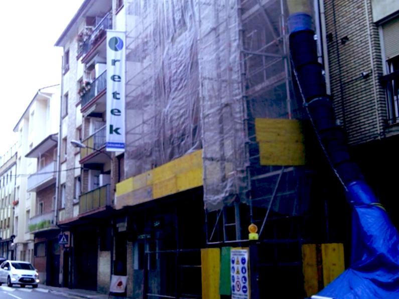 Retek rehabilitando una fachada en Gipuzkoa