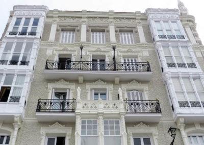 Restauracion fachada edificio Los Chelines Castro Urdiales