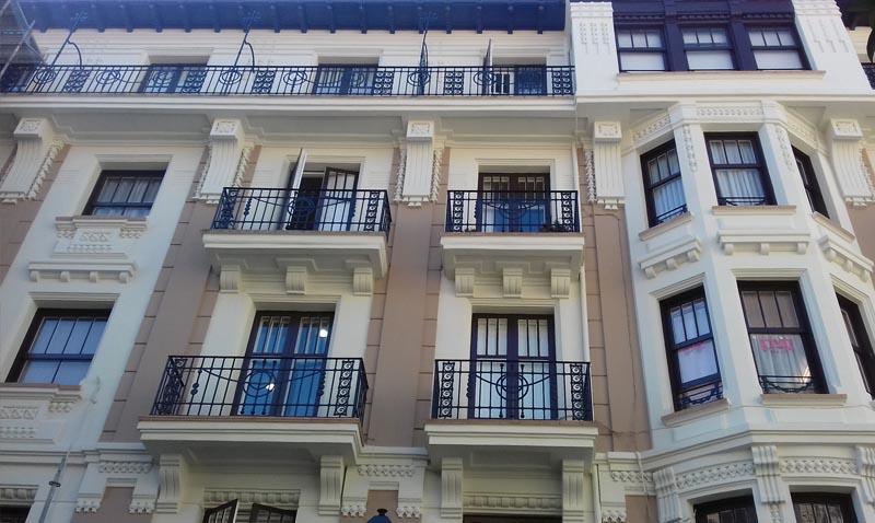 Restauración fachada Melitón Pérez del Camino 1, en Castro Urdiales