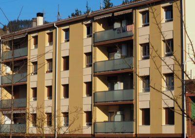 Rehabilitacion energética SATE de fachada y cubierta en Zubiaurre 20 y 22 de Bergara